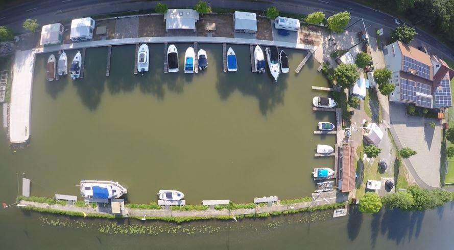 Hafenbecken-Wipfeld