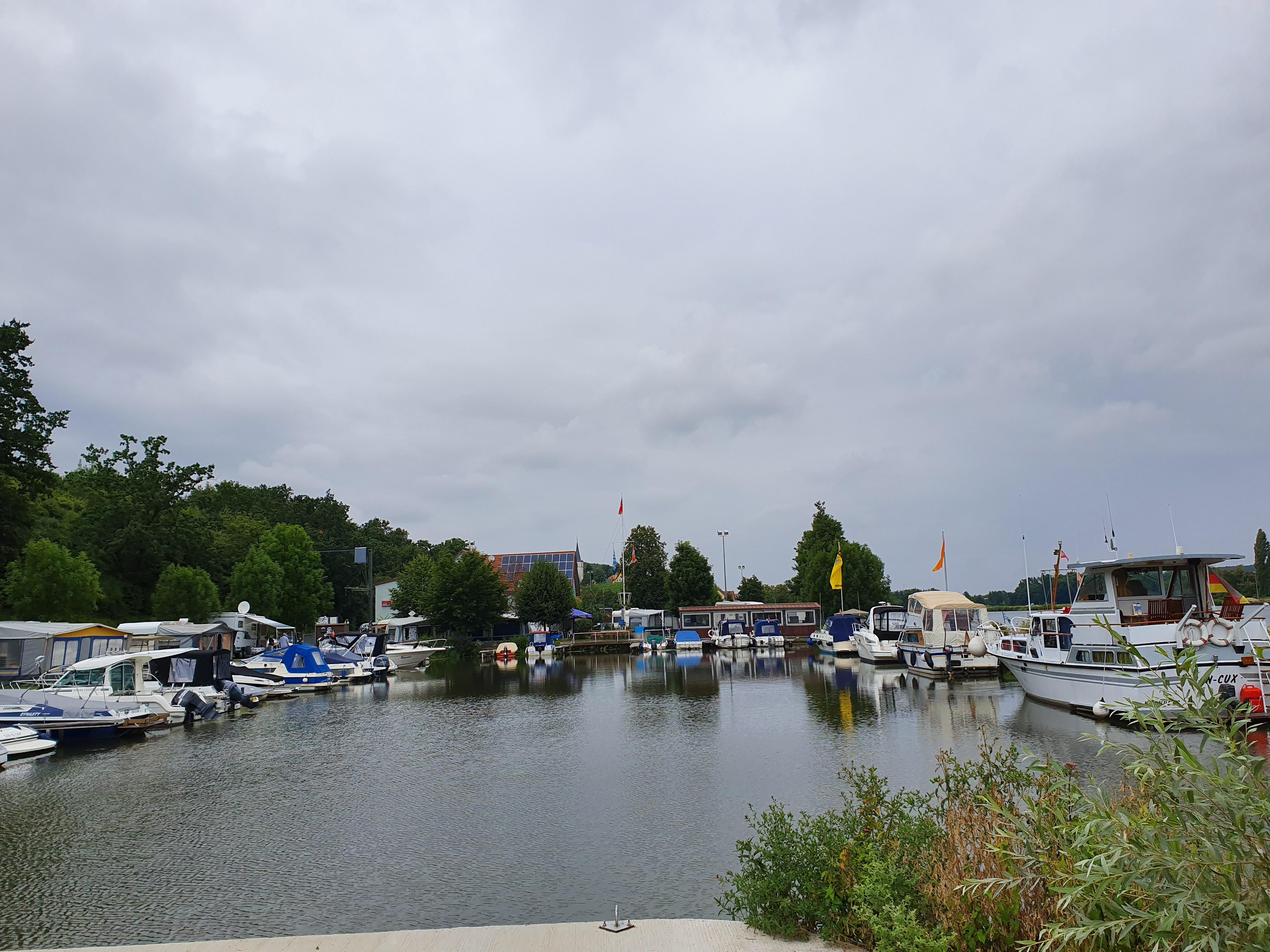 Wipfeld-Blick Hafenbecken